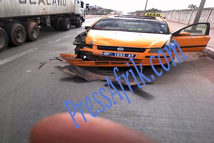 Collision entre un taxi et une voiture de Matforce: 1 blessé du côté des employés de la société