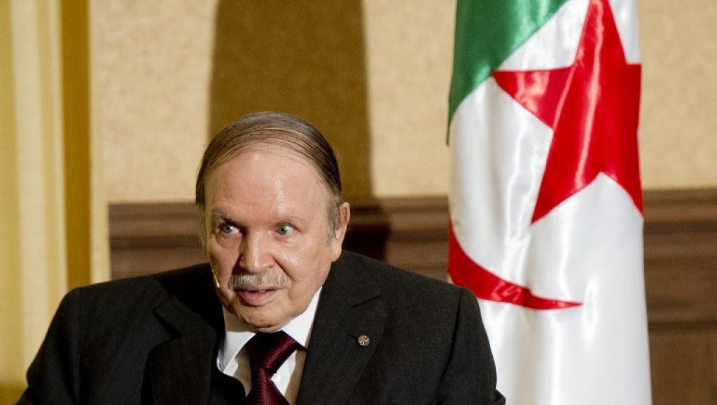 Constitution algérienne: l'avant-projet de réforme présenté