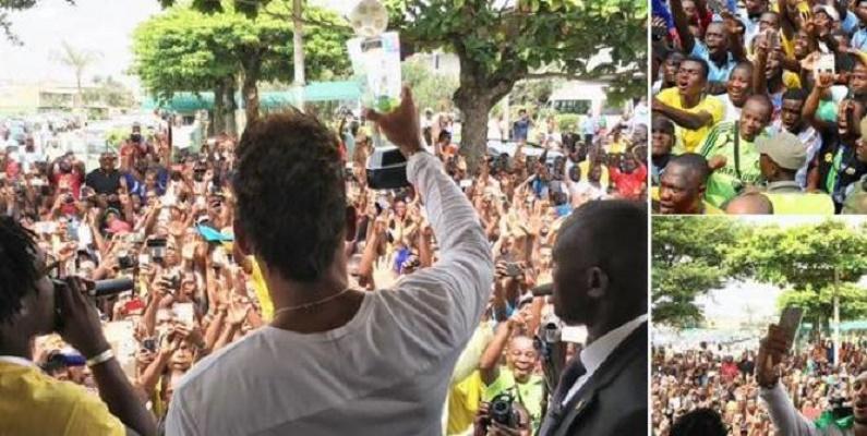 Aubameyang, joueur africain de l'année, accueilli en héros à Libreville