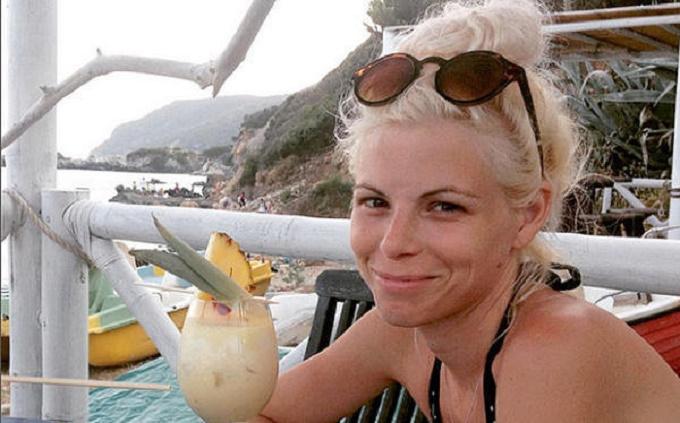 Ashley Américaine de 35 ans, retrouvée étranglée dans son appartement
