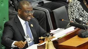 Mandat contre Soro : Abidjan réagit