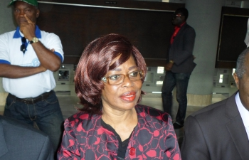 """En partance pour la France, une cadre du parti de Gbagbo """"refoulée'' à l'aéroport d'Abidjan"""