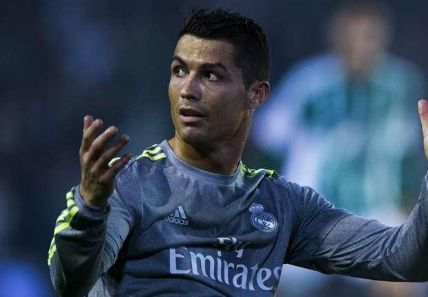 """Cristiano Ronaldo va quitter le Real et ira à Manchester United ou au PSG"""