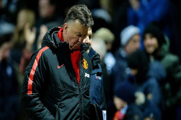 Manchester United : Van Gaal a présenté sa démission...