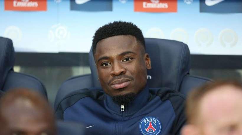 Didier Drogba vole au secours de Serge Aurier