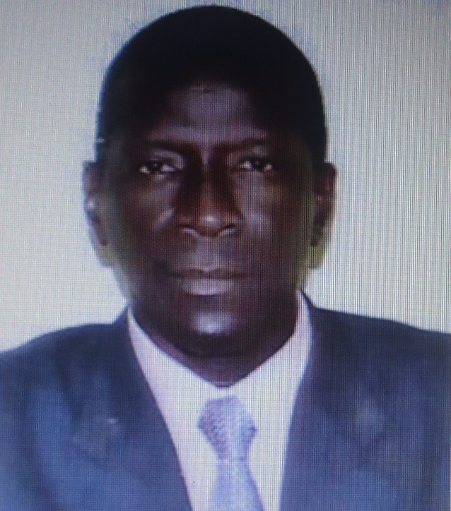 Ville de Dakar et ministère du renouveau urbain, de l'habitat et du cadre de vie: Du transfert de compétences au « trafic de compétences. »