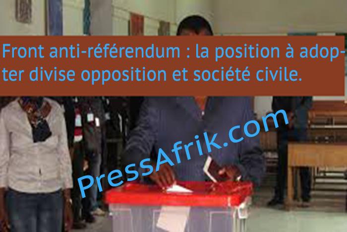 Front anti-référendum : la position à adopter divise opposition et société civile.