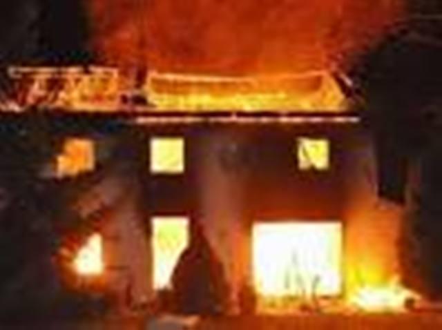 """Nord d'Abidjan: Le grand-marché d'Abobo ravagé aux """"deux tiers"""" dans un incendie (Pompiers)"""