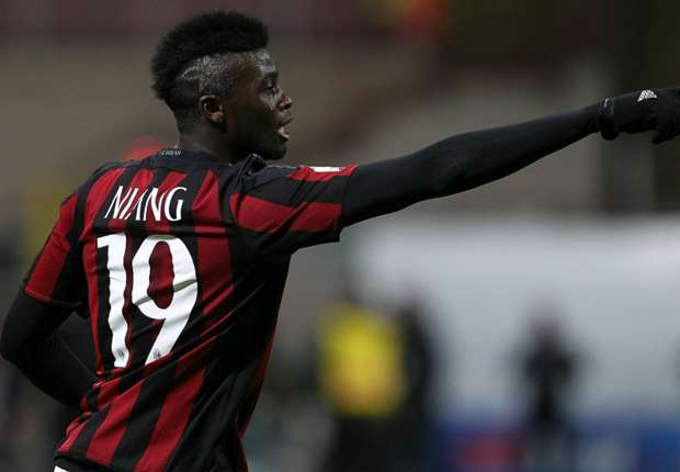Nouvel accident de voiture: Milan confirme la blessure de M'Baye Niang
