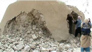 La destruction d'un mausolée à Tombouctou par les djihadistes
