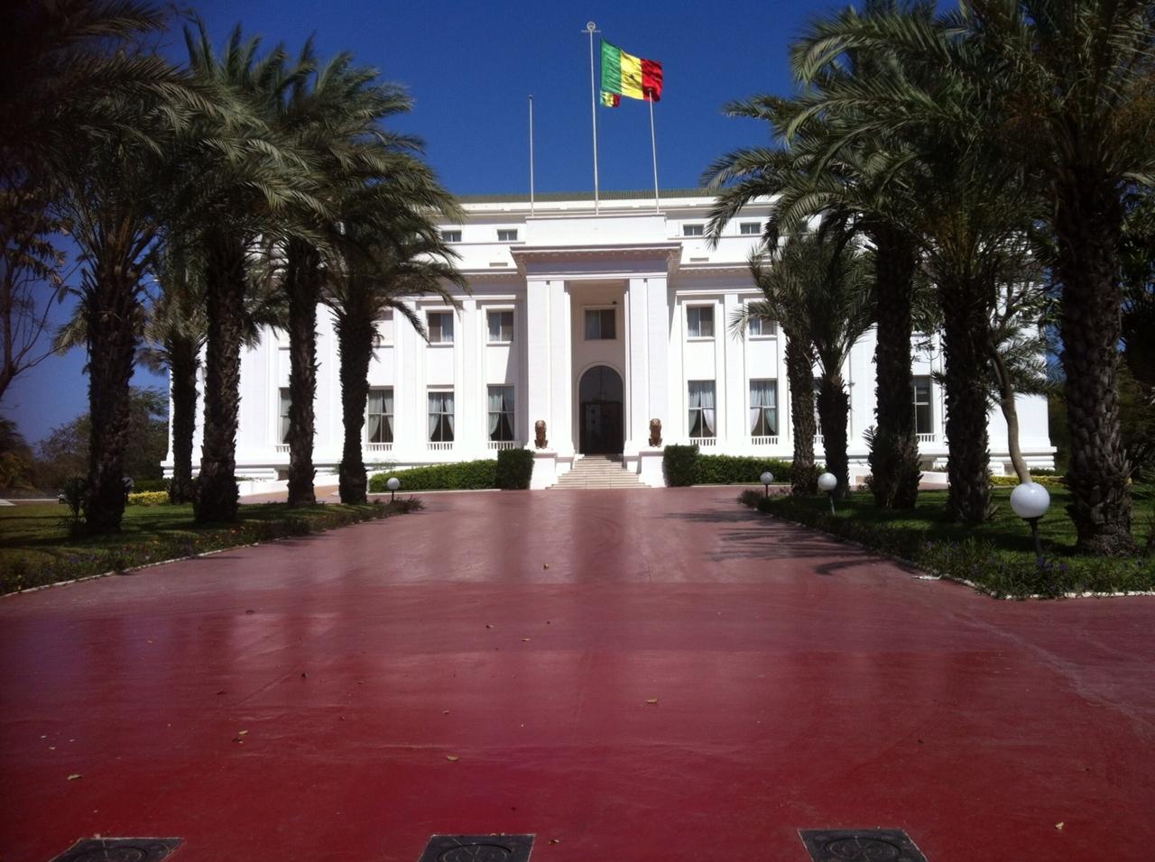 AUDIENCE DES MAIRES DE MBACKE : MACKY PERD 45 MILLIONS…POUR RIEN !