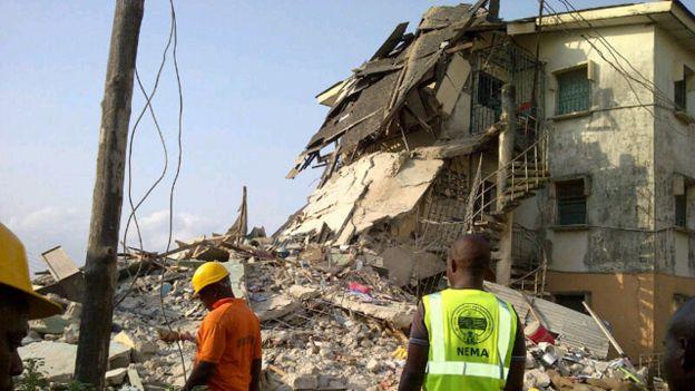 30 morts dans l'effondrement d'un immeuble
