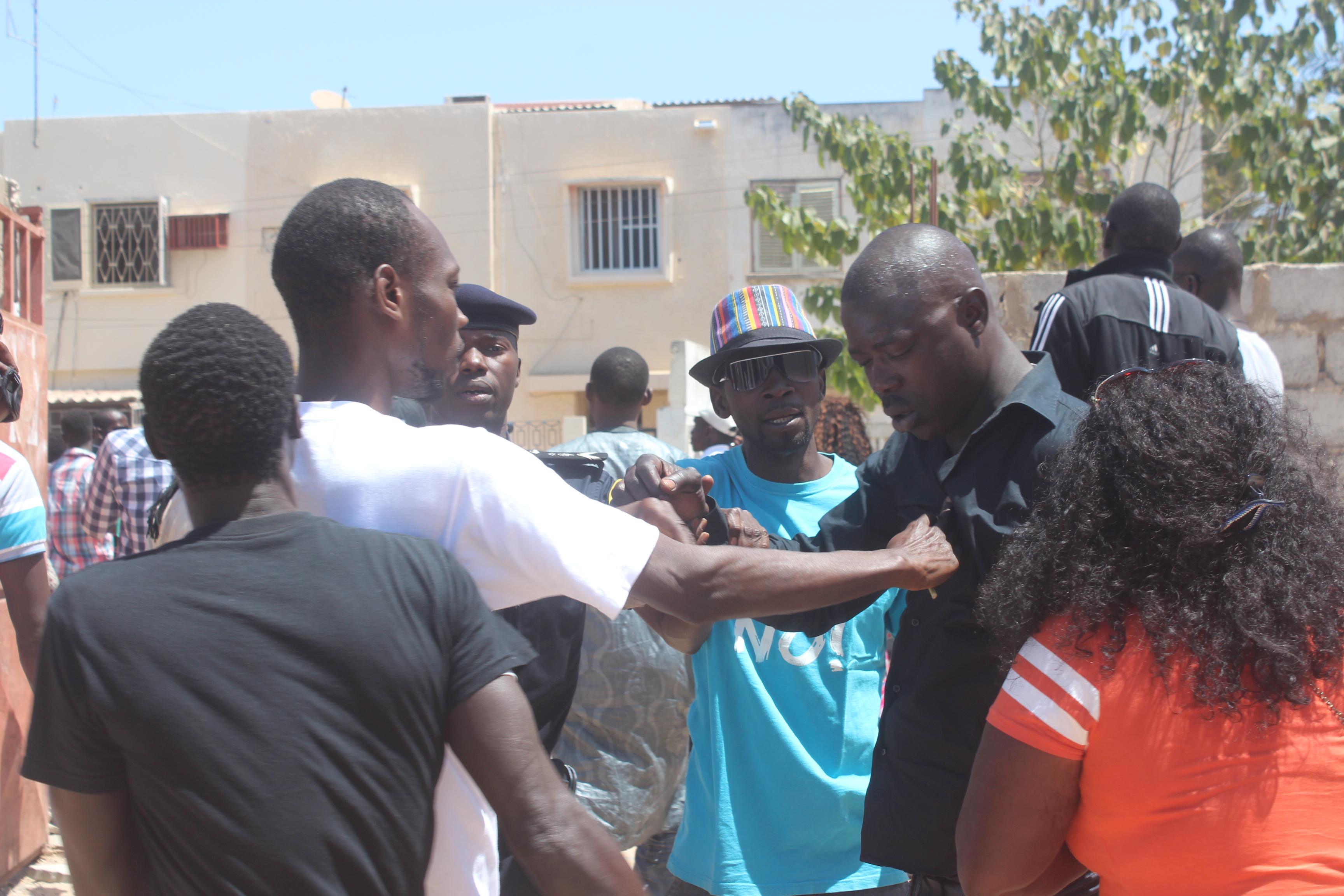 Direct - Référendum Médina: Echauffourées entre partisans de Bamba Fall et Seydou Gueye