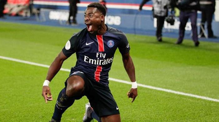 PSG : Laurent Blanc accepte la réintégration d'Aurier !