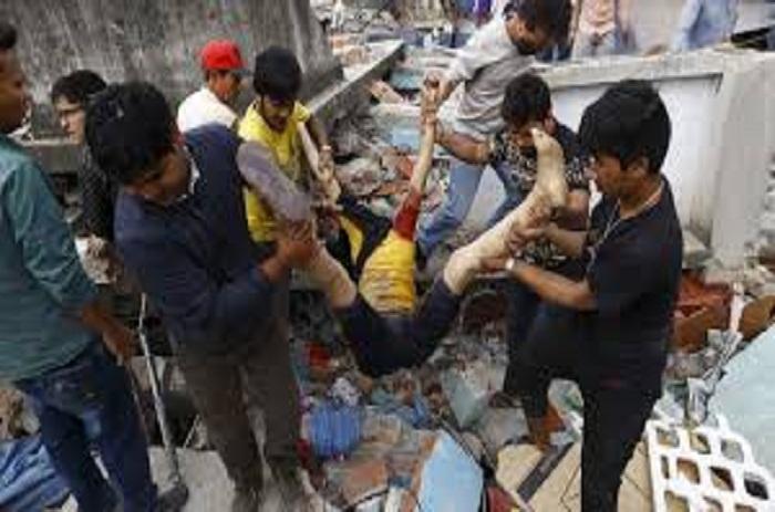"""Séisme en Equateur : 272 morts et le bilan """"va augmenter"""" (président)"""
