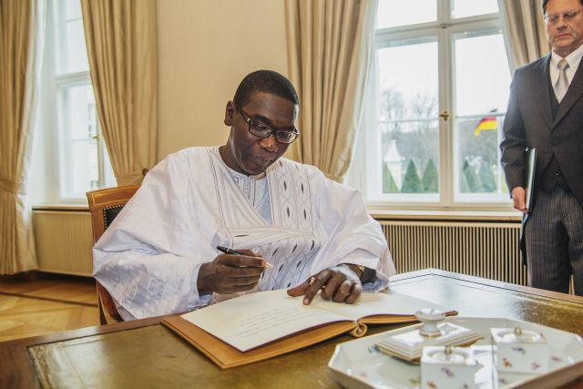 Hommage à l'Ambassadeur Abdoul Aziz NDIAYE