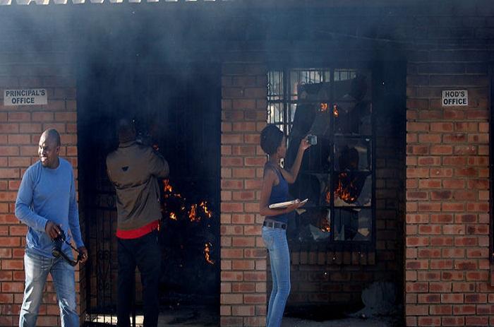 Violentes manifestations en Afrique du Sud contre le redécoupage électoral de municipalités