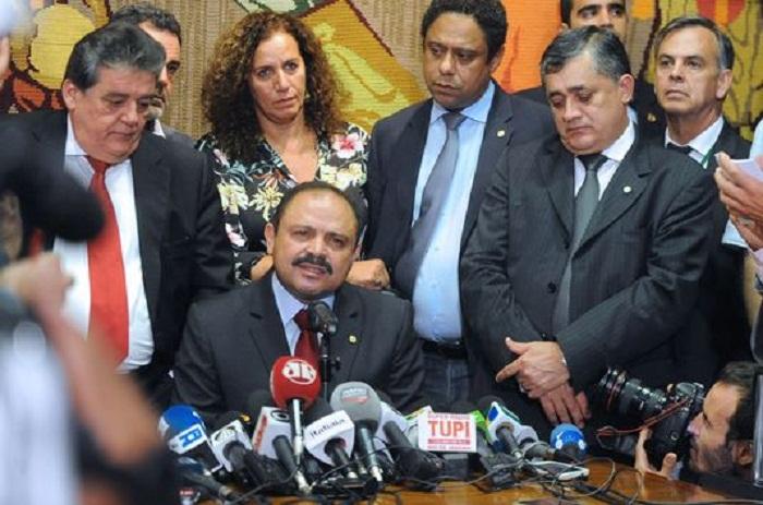Brésil : voie ouverte au processus de destitution de Dilma Rousseff