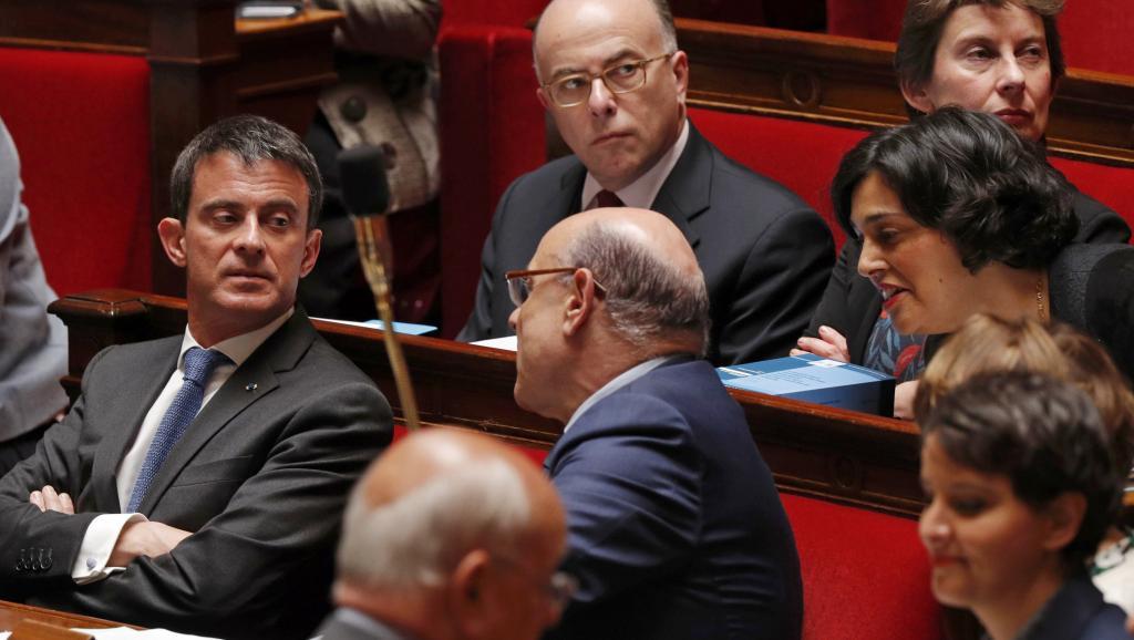 Passage en force sur la loi Travail: les syndicats français appellent à la grève