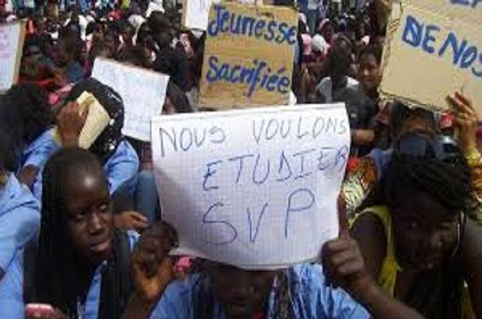 Education: soutenus par l'UNAPES, des élèves dans la rue ce matin