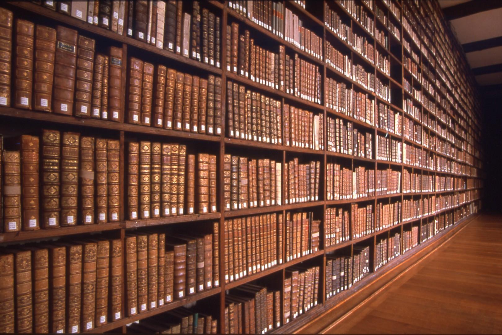 La bibliothèque a brulé : « les livres sont devenus orphelins » Dr Abdoulaye Diallo