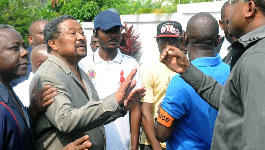 Gabon: l'opposant Jean Ping se défend et accuse ses détracteurs