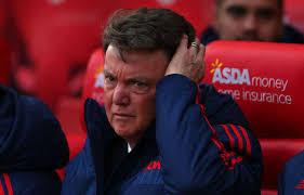 Man Utd : Van Gaal viré, Mourinho confirmé à 14h