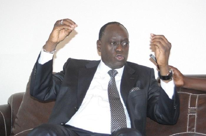 Me El Hadj Diouf prône la dissolution de l'Assemblée nationale.