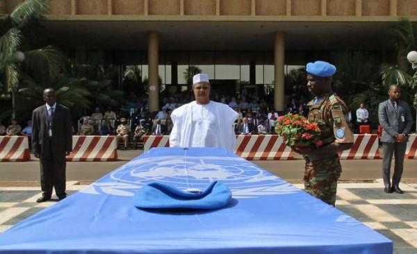 Transfert à N'Djamena des corps de cinq Casques bleus tchadiens tués au Mali