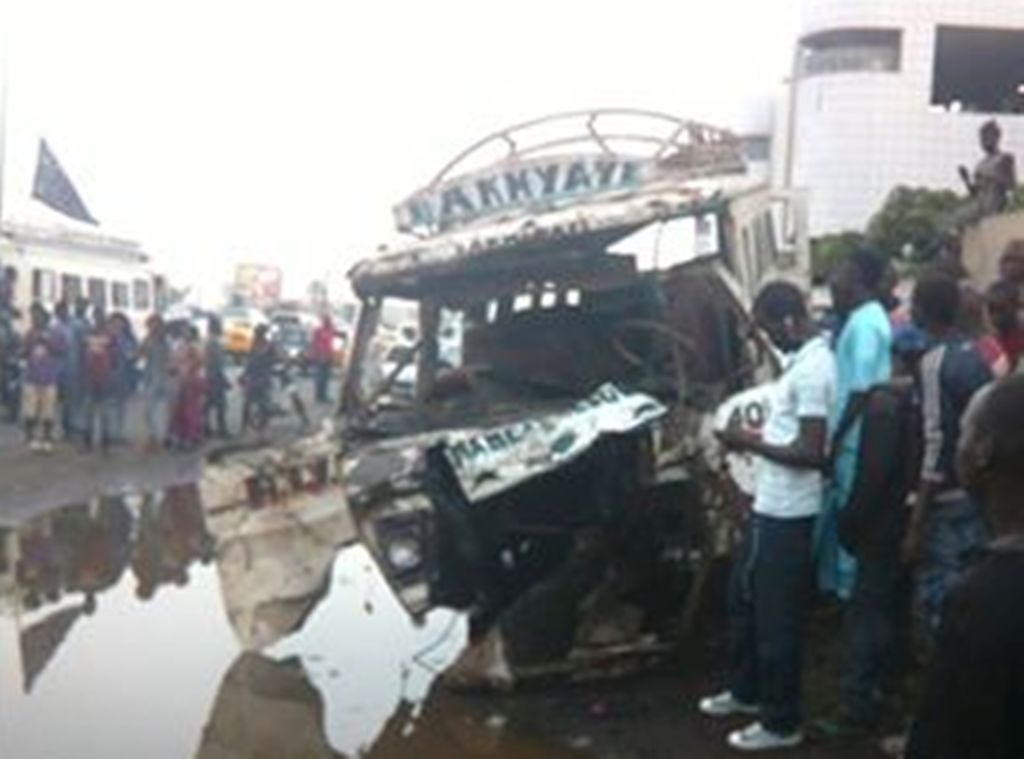 DERNIÈRE MINUTE : Un accident sur l'autoroute Malick Sy fait une dizaine de morts et 42 blessés graves