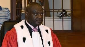 Direct procès Habré : Entrée du Président Jam-Les choses sérieuses vont débuter.