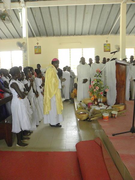 Visite de Mgr Benjamin Ndiaye à Niakhar: «La vie de Dieu semée en nous, fait de nous des porteurs du Christ pour le monde»