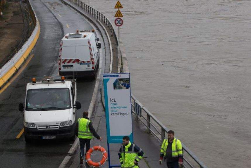 PHOTOS ET VIDEOS - Inondations : à Paris, la montée de la Seine en images