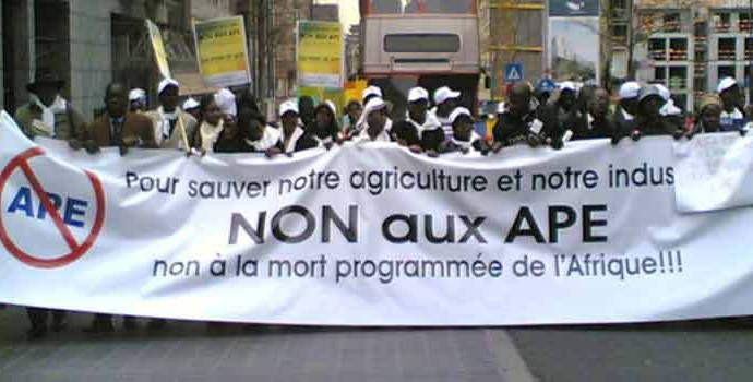 """""""Non aux APE"""": «Encore une fois la police de Macky Sall réprime une manifestation citoyenne pacifique», (Yoonu Askan wi)"""