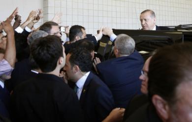 Funérailles de Mohamed Ali: vexé de l'accueil, Erdogan est rentré chez lui