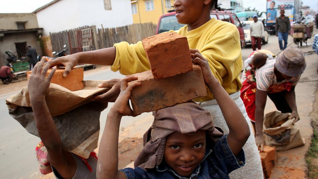 En Afrique subsaharienne, un enfant sur cinq est contraint de travailler