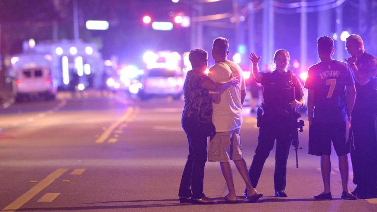 Floride: Une vingtaine de morts, 42 blessés au night-club homosexuel d'Orlando