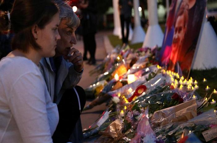 Assassinat de Jo Cox au Royaume-Uni: la piste de l'extrême-droite xénophobe