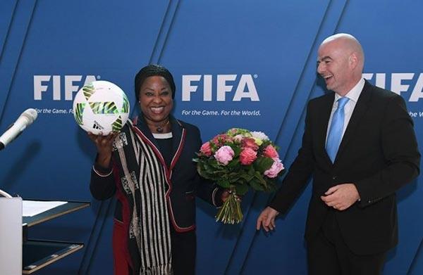 Fifa : Fatma Samoura prend officiellement fonction lundi