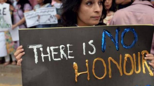 Au Pakistan, des parents accusés d'avoir égorgé leur fille enceinte au nom de l'honneur