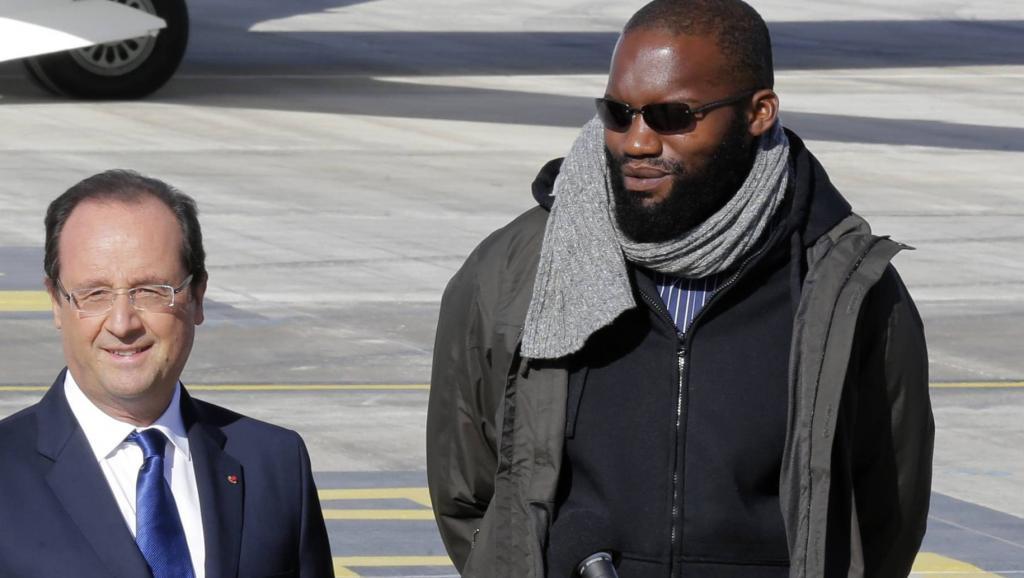 France: l'ex-otage d'Arlit Thierry Dol interpelle le président Hollande