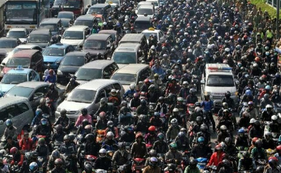 Indonésie : douze morts dans un embouteillage monstre qui a duré trois jours