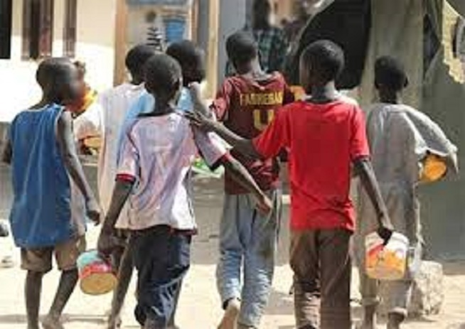  Retrait des Enfants de RUE: Ensemble pour soutenir la décision de l'Etat