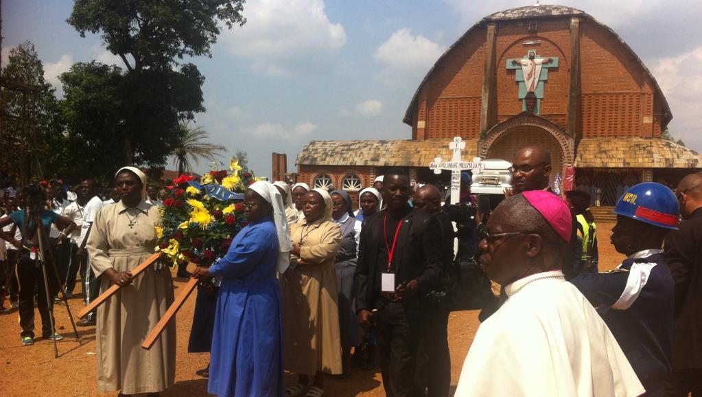 RDC: la communauté Nande dit adieu à son «père» l'abbé Malu Malu