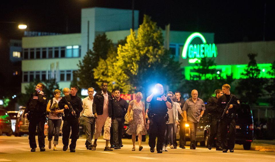 Fusillade de Munich : l'Allemagne tremble mais ne le montre pas