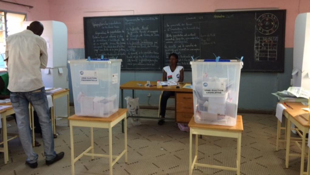 Burkina Faso: 42 partis politiques sommés de se conformer à la loi