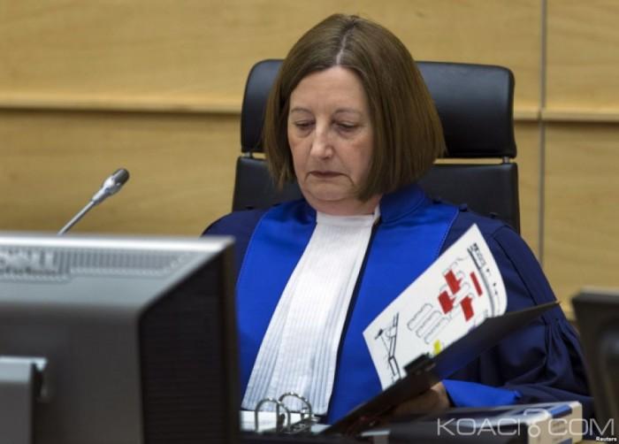 Côte d'Ivoire : CPI, la juge présidente accusée d'avoir reçu de l'argent pour corrompre des témoins afin d'inculper Omar el-Béchir