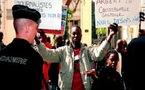 Sénégal: Wade copieusement hué à Montpellier, des manifestants tabassés