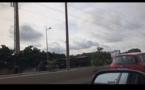 """Vidéo: un minibus """"Tata"""" se renverse sur l'autoroute sens Colobane-Hann maristes"""