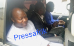 Seydina Fall alias Bougazelli est arrivé à la Section de recherches de la gendarmerie de Colobane (vidéo)